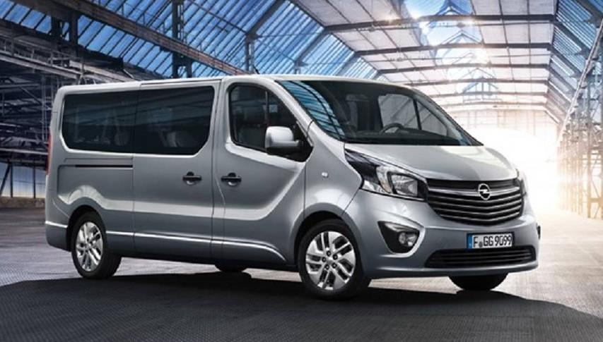Opel-Vivaro-kisbusz-berles-budapesten