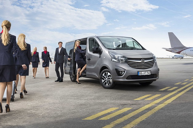 Opel-Vivaro-repteri-transzfer-9-uleses-kisbusz